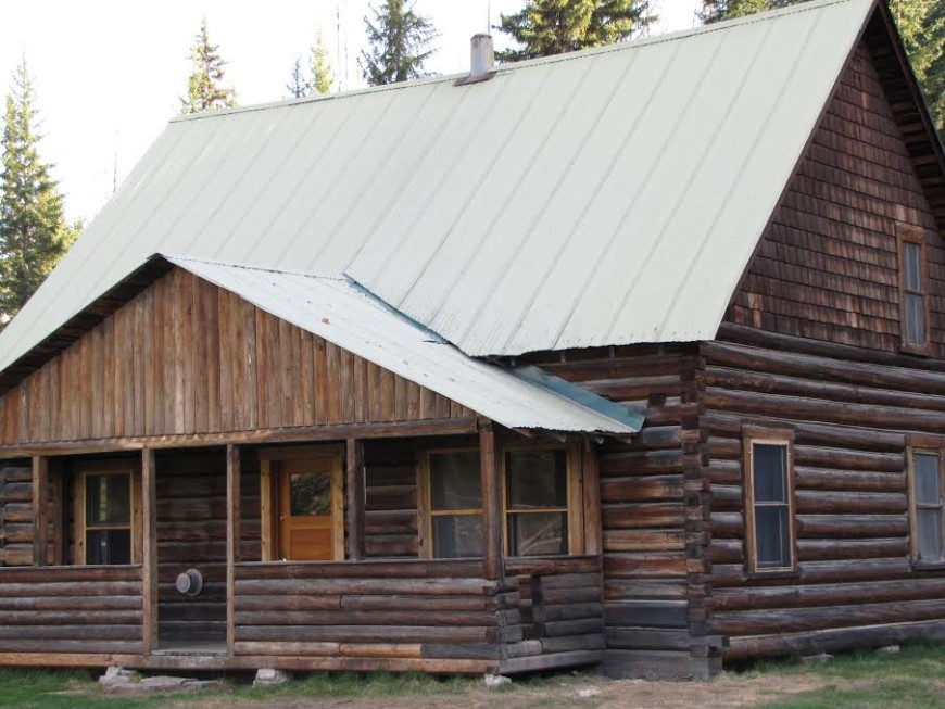 Historic Cabin in Polebridge